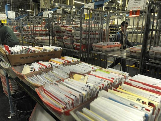 NAS-BUSIEST MAIL DAY03.JPG