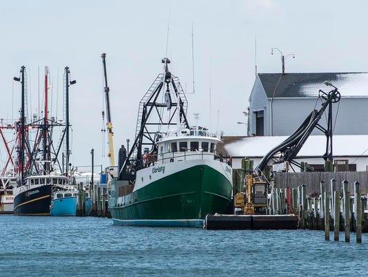 le- Fishing Harbor 5312.jpg
