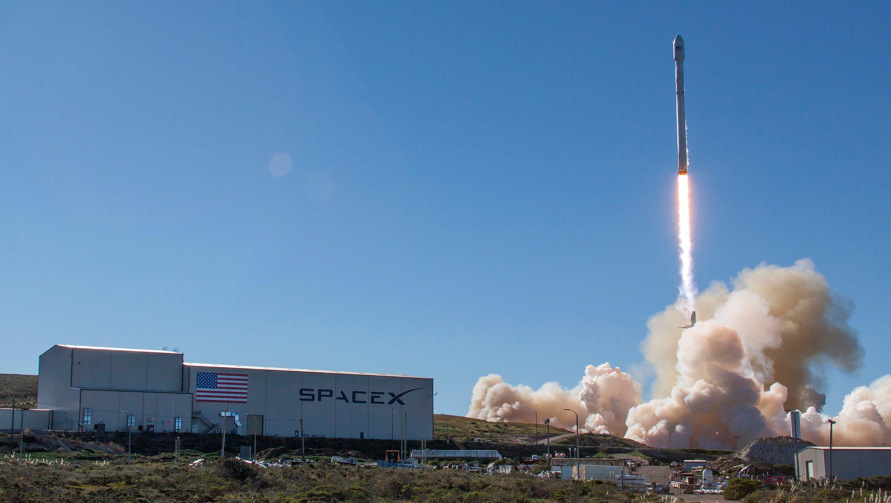 spacex rocket in flight - photo #18