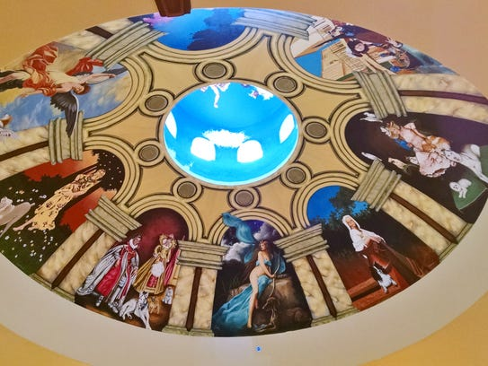 Palm desert cafe caters to pet owners the rotunda painting sets the tone for pets and their solutioingenieria Images