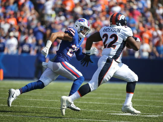 Bills Micah Hyde chases down Bronco running back C.J.