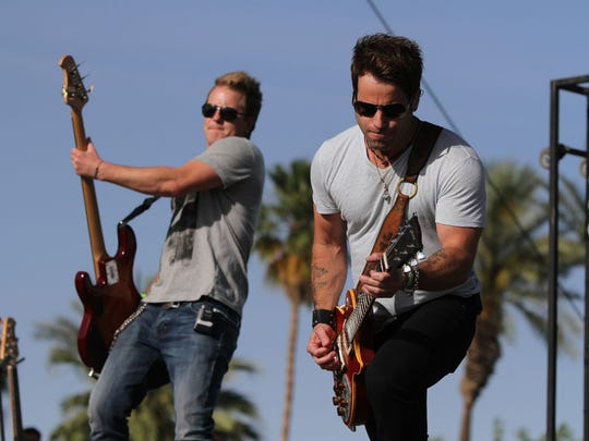 Day 1 of the Stagecoach country music festival kicked off Friday, April 24, 2015.