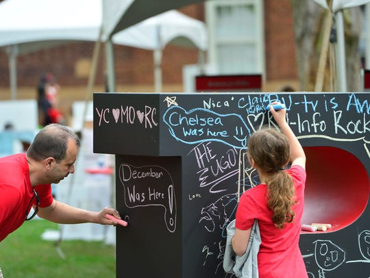 Chalk drawing at the 2017 Rutgers Day on the College