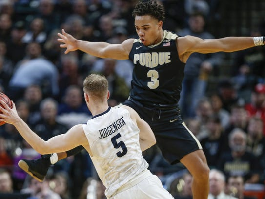 Purdue Boilermakers guard Carsen Edwards (3) goes up
