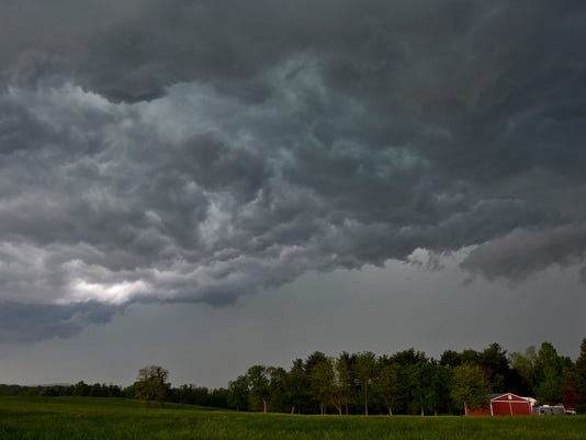 Severe weather moves into York