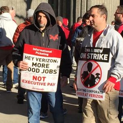 Verizon workers on the picket line in White Plains