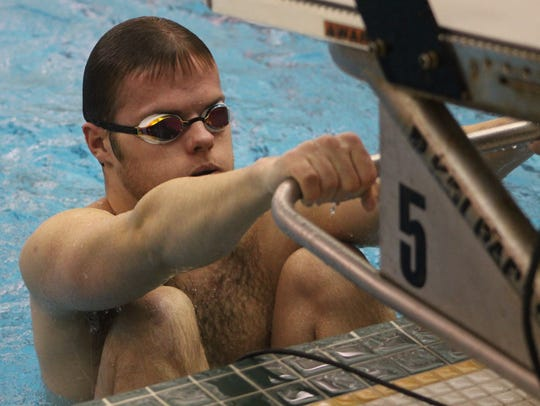 Groves senior Robbie Hagner enters the state meet with