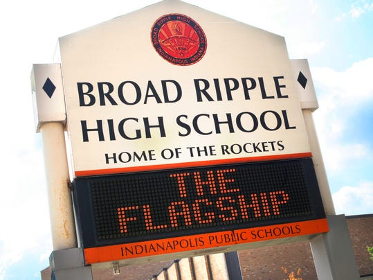 -ED Broad Ripple HS sign.jpg_20140806.jpg