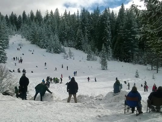 636221290214355921-SnowmansHill.jpg