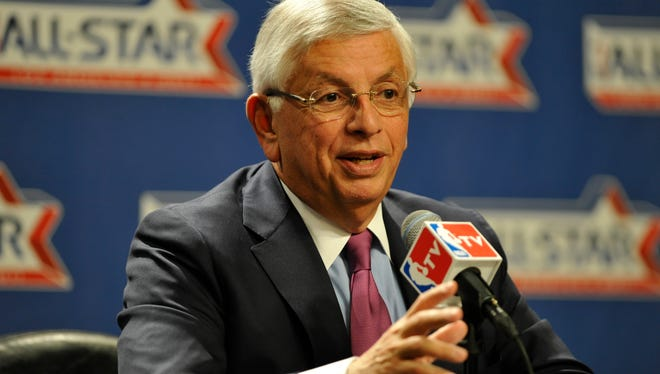 David Stern says current NBA commissioner Adam Silver is handling the Donald Sterling situation the right way.