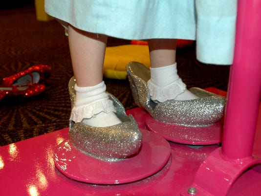 635784374583405764-Try-on-the-Silver-Slippers