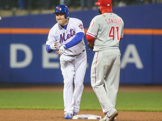 New York Mets third baseman Todd Frazier (21) celebrates