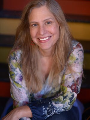 Tracey Schmidt is an award-winning poet and performer whose work has been published in numerous journals and anthologies.