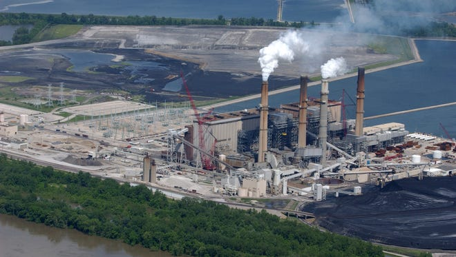 "Duke Energy's Gibson Power Plant on the banks of the Wabash River, near Owensville, Ind., is one of four ""super polluter"" coal-burning power plants within a 30-mile radius of Evansville."
