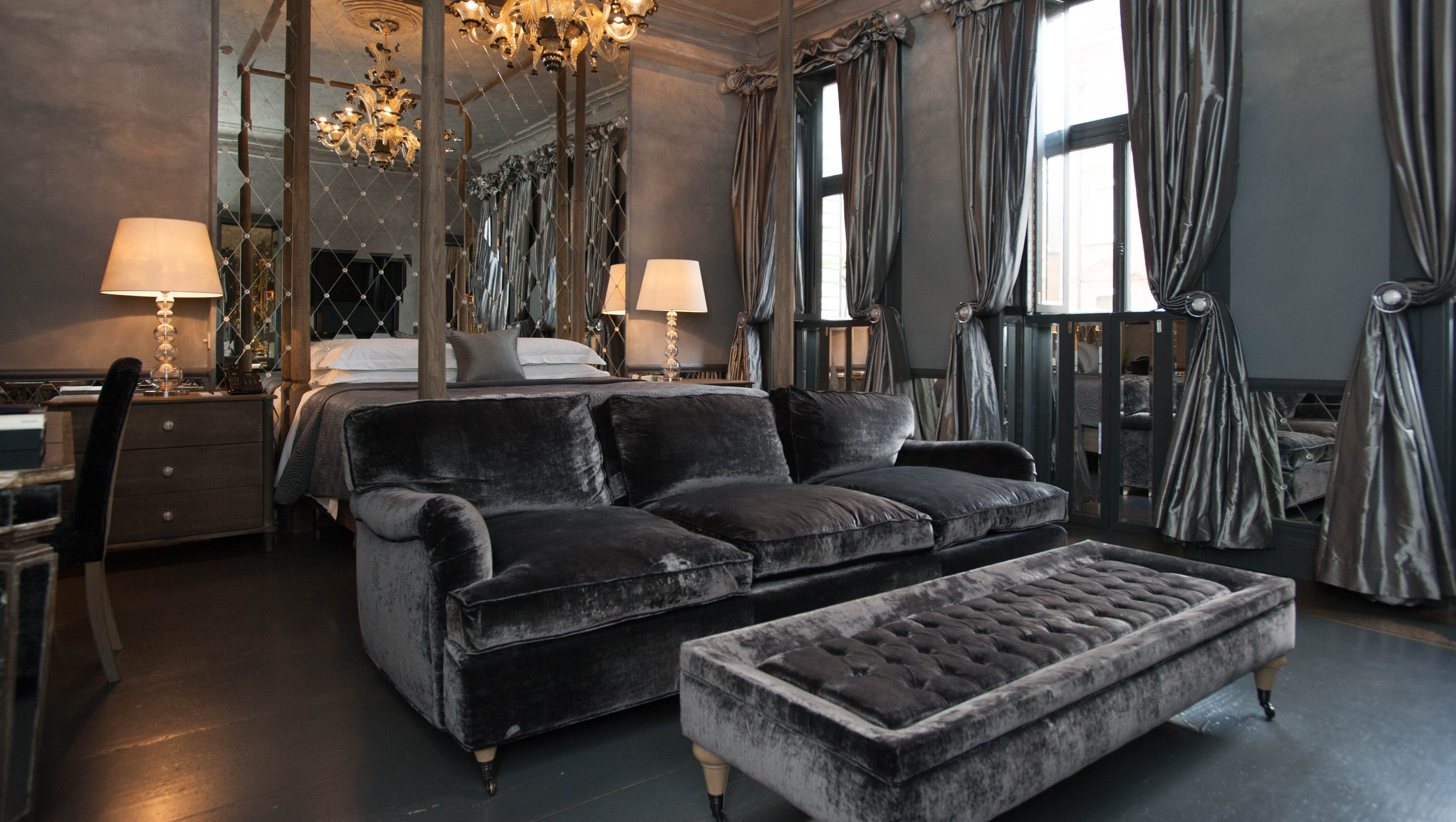 the 12 most luxurious hotel suites in europe. Black Bedroom Furniture Sets. Home Design Ideas