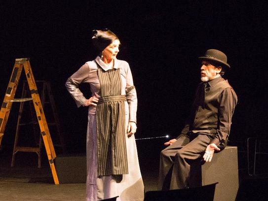 """Margarita Lamas and Ludwig Pineda star in """"Amor de"""