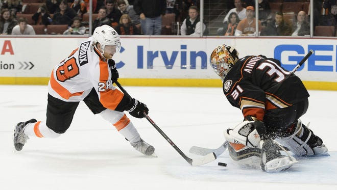 Claude Giroux was stopped in the shootout by Anaheim goalie Frederik Andersen.