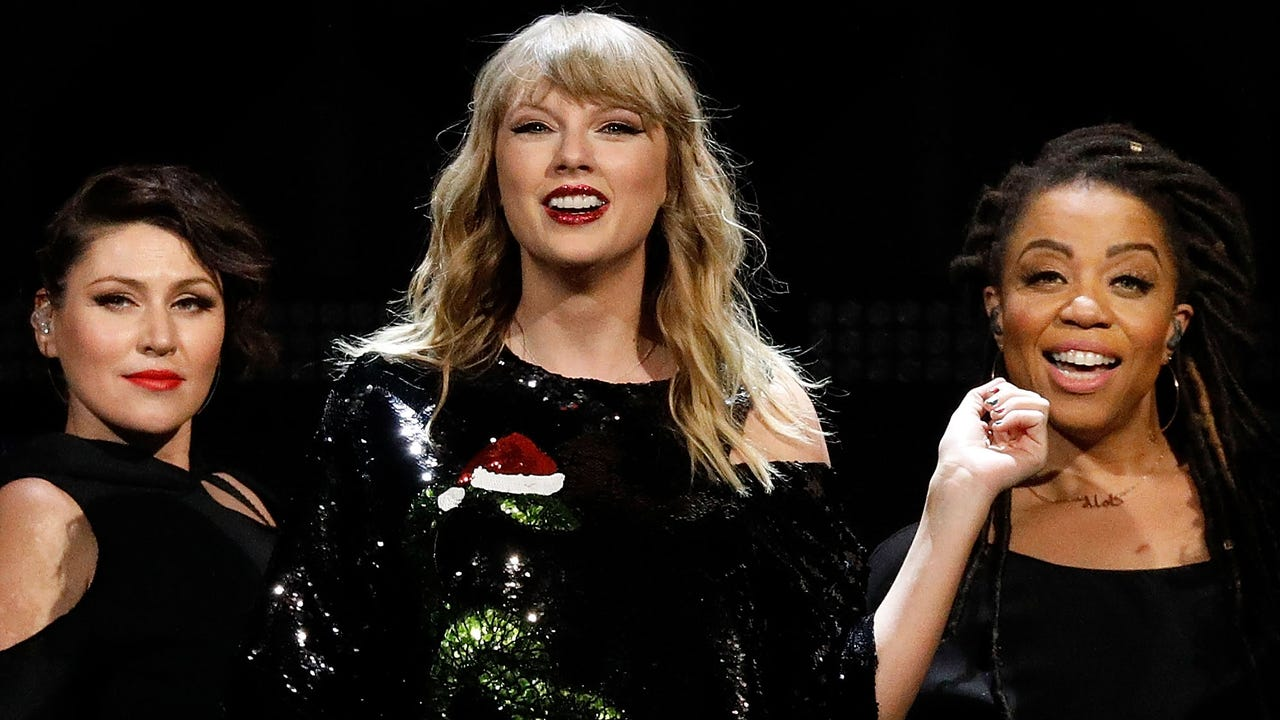 Taylor Swift dropped $50 million on 3 apartments
