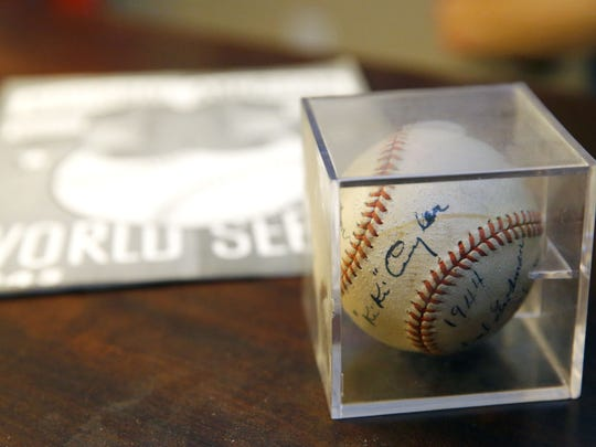 Herman Blote's autographed Chicago Cubs baseball and