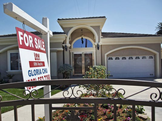 AP HOME SALES-AHEAD OF THE BELL F A FILE USA CA