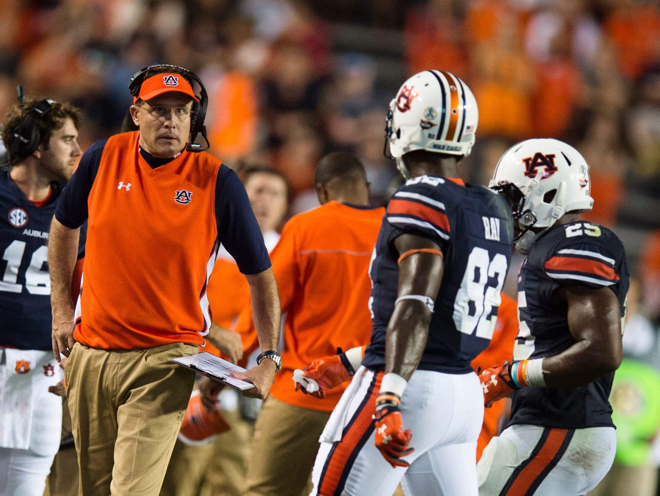 Auburn head coach Gus Malzahn talks to his players during the NCAA football game between Auburn and Mississippi State on Saturday, Sept. 26, 2015, at Jordan-Hare Stadium in Auburn, Ala. Mississippi State Bulldogs defeated Auburn 17-9. Albert Cesare / Advertiser