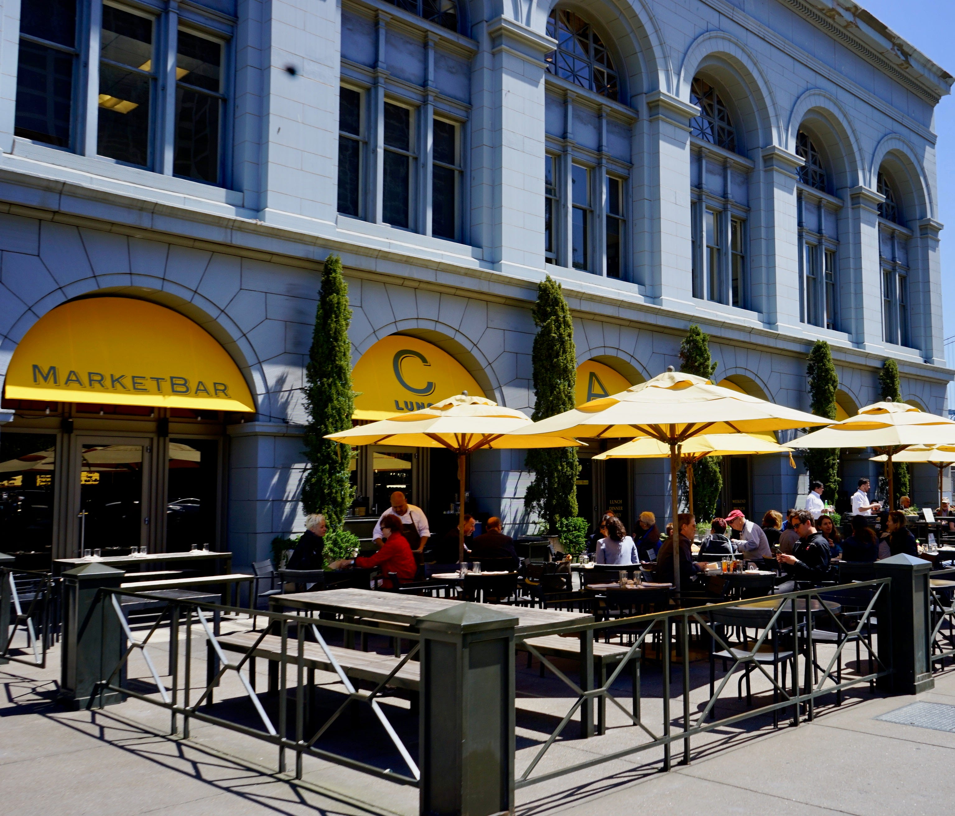 At the front of the building, MarketBar serves upscale seasonal fare inspired by the range of ingredients available at the farmers market.