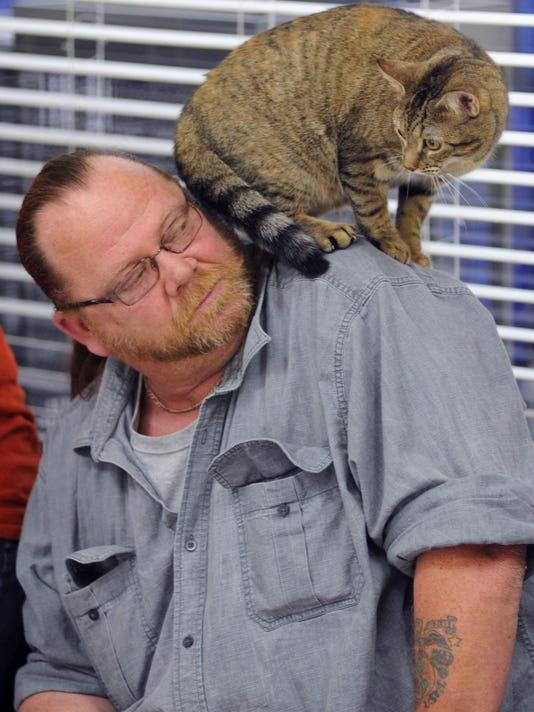 CGO 0209 PET PARTNERSHIP-cat