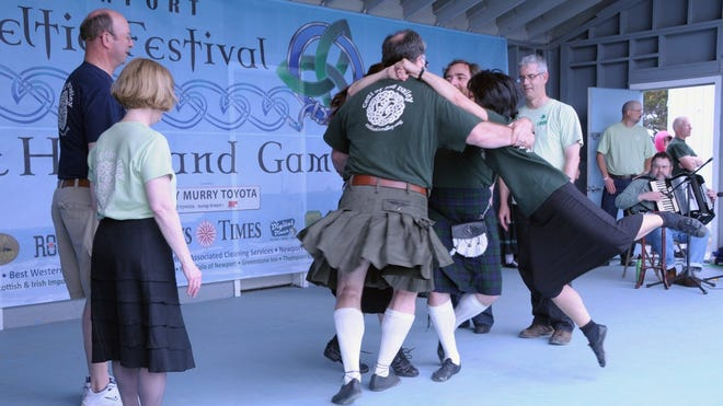 Ceili of the Valley offers Irish and Celtic set and social dance lessons every Tuesday night at the VFW Hall in Salem