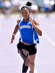 Jayslynn Reyes of Reagan County sprints for the finish