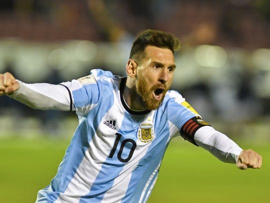 Lionel Messi, capitán de su selección, celebra uno de sus goles con Argentina.