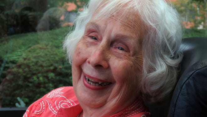 Hilda Newsom served as a Navy WAVE during WWII.