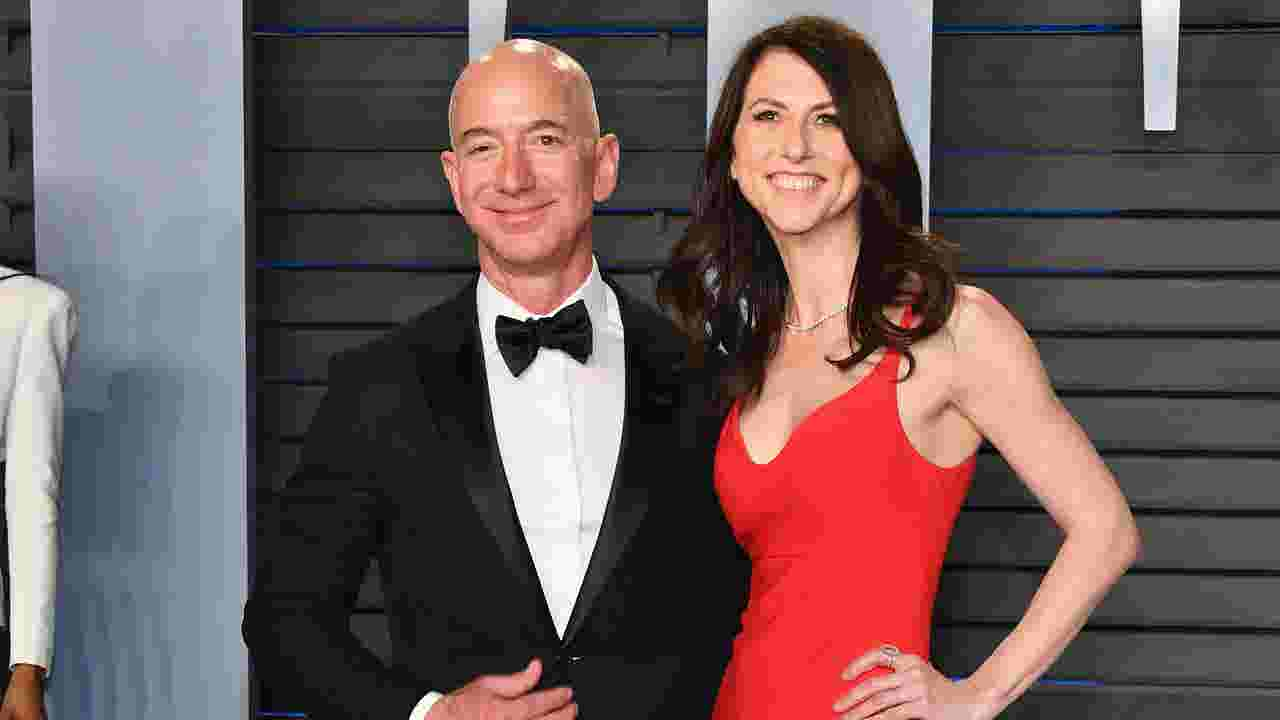 Jeff And Mackenzie Bezos How Much Could She Get In Divorce