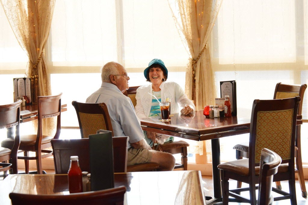 Retirees get creative to eat cheap at restaurants