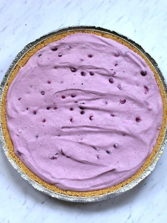 636356380129271122-BlueberryStrawberry-layered-pie-pic.jpg