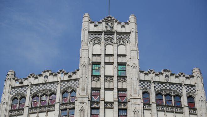 Developers of the  derelict Metropolitan Building at 33 John R in Detroit gained approval from the Downtown Development Authority for their $23.2-million renovation, which will create 71 apartments and about 2,500 square feet of retail and commercial space on the first two floors.