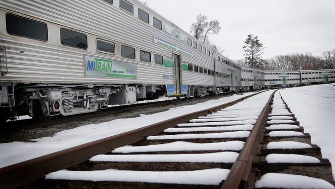 The state says it will soon stop paying $3,000 a day for railcars it can't use