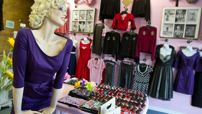Bettie's Bombshells is relatively new store on the Asbury Park boardwalk that is dedicated to preserving Pin Up Era fashion. 