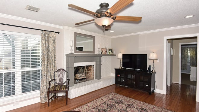 117 Pintado Drive, the great room with a fireplace.