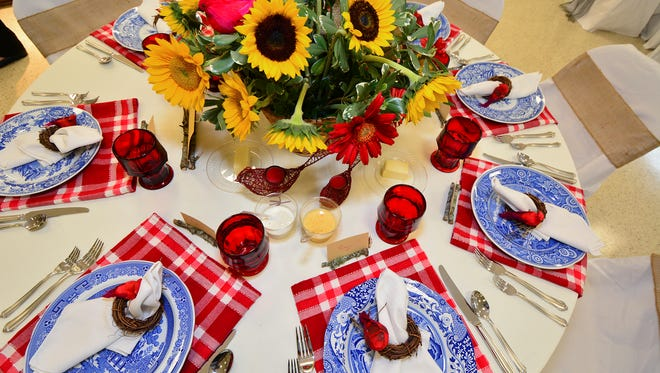 The Luncheon in the Meadow table at the 2015 Tour of Tables, presented by The Pensacola Federation of Garden Clubs.