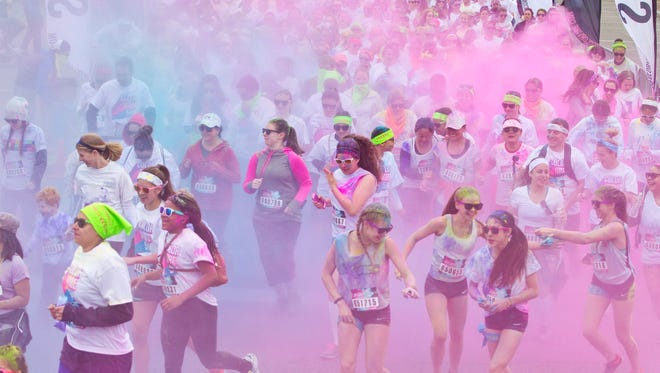 The Color Vibe 5k run gets underway at the Jersey Shore Premium Outlets.Tinton Falls, NJ Saturday, April 30, 2016@DhoodHood