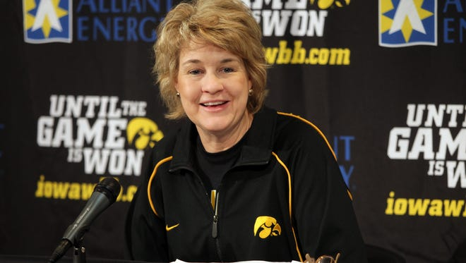 Iowa women's basketball coach Lisa Bluder got the recruit she was after when Kathleen Doyle of Illinois committed to the Hawkeyes on Tuesday.