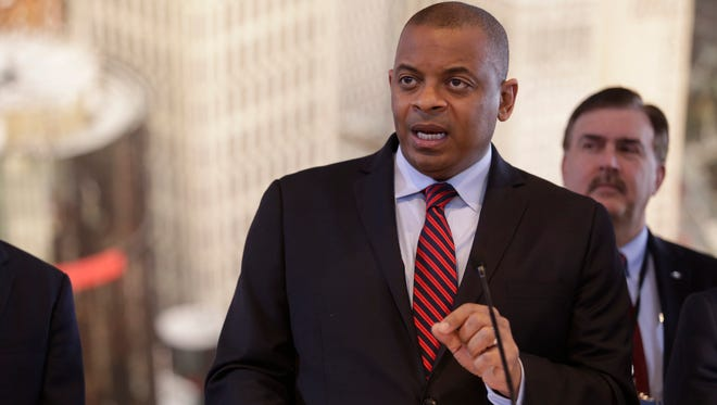 U.S. Transportation Secretary Anthony Foxx.outlines his department's intial guidelines for regulating autonomous vehicles.