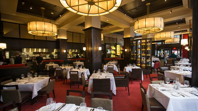 A New York City feel at Hyde Park Prime Steakhouse, which opened Oct. 27, 2016, in the Illinois Building, 51 N. Illinois St., at Market Street, in Downtown Indianapolis. Dinner service begins at 5 p.m. Monday-Saturday. Lunch service starts  Dec. 5, 2016. The restaurant is closed on Sunday.