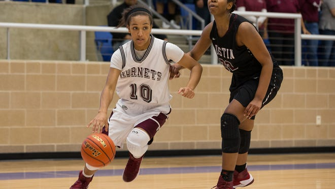 Flour Bluff's Hayle Campbell and the Hornets debuted at No. 6 in the Texas Association of Basketball Coaches Class 5A rankings on Monday.