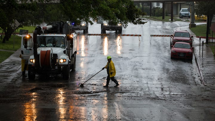 What roads are prone to flooding in Corpus Christi?