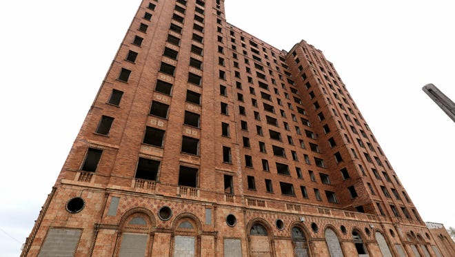Lee Plaza Building, on West Grand Blvd. in Detroit. Friday, April 29, 2016.The Italianate Art Deco apartment building opened in 1929.