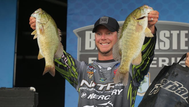 Jonathan VanDam of Kalamazoo led the Michigan anglers in the Advance Auto Parts Elite tournament Thursday with a bag of 19 pounds, 15 ounces for 16th place.