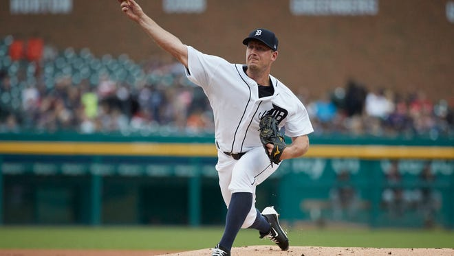 Tigers pitcher Jordan Zimmermann (27) pitches in the first inning on Saturday, Sept. 2, 2017, at Comerica Park.