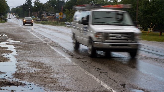 A more than $1.4 million project will have traffic partially stopped on a portion Lapeer Road in Port Huron Township this fall.
