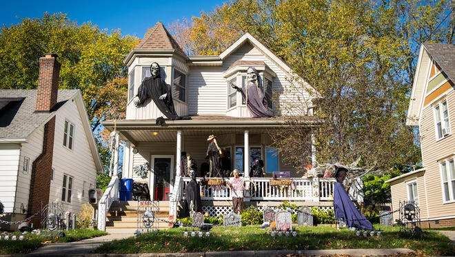 Halloween events will be taking place throughout St. Clair next Thursday through Saturday. Events include a parade, a movie, a house decorating contest, a zombie 5K and more.